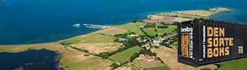Fredag d. 27. juli til mandag d. 27. august: Udstilling i DEN SORTE BOKS på Skarø