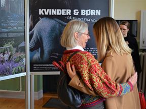 """Åbning af udstillingen: Kvinder og børn på flugt fra vold"""""""